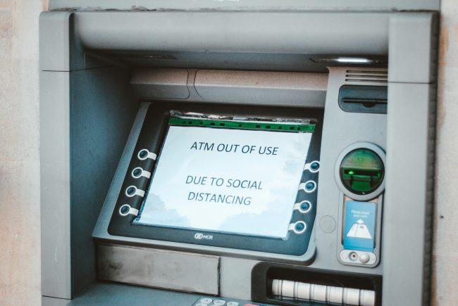 bankomat atm 2 unsplash