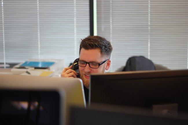 call hovor phone telefon telemarketing unsplash