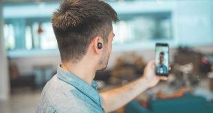 google apple zoom skype videohovor videocall unsplash