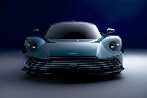 Aston Martin Valhalla 01