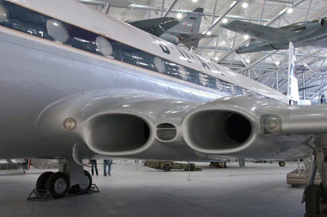 De Havilland Comet 4 motory