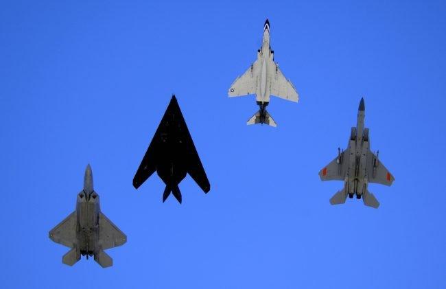 F 22F 117F 4F 15