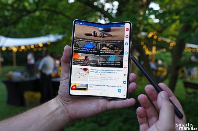 Samsung Galaxy Fold 3 11