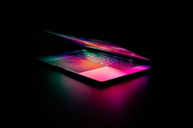 MacBook Pro Unsplash Martin Sanchez