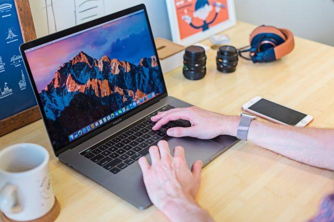 MacBook Pro Unsplash TouchBar Mia Baker