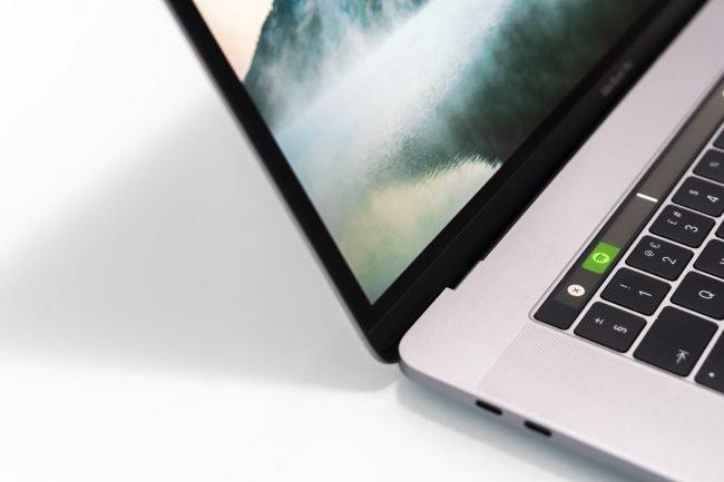 MacBook Pro Unsplash William Justen de Vasconcellos