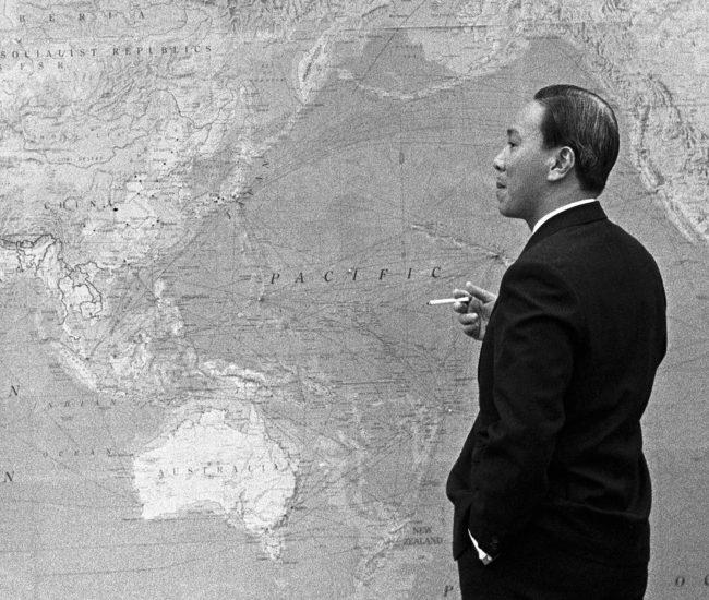 Nguyen Van Thieu with map
