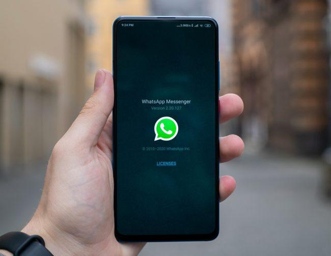 whatsapp aplikace app unsplash