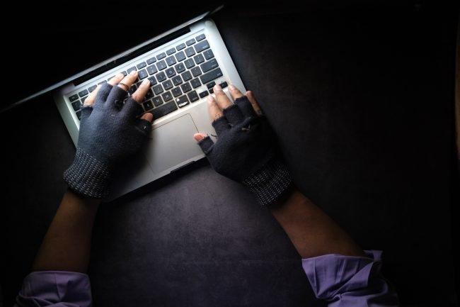 zlocin bezpecnost crime hacker unsplash